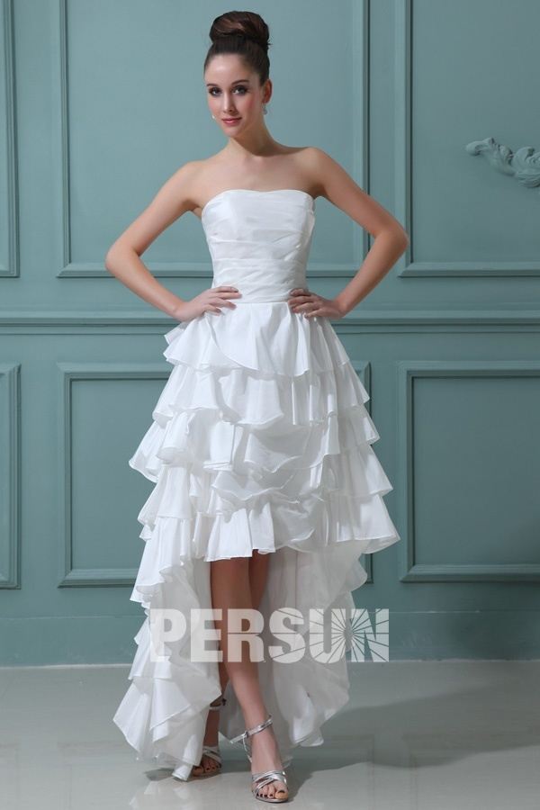 robe de mariée courte devant longue derrière simple bustier droit plissé