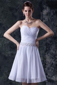 Robe blanche bustier cœur ruchée courte