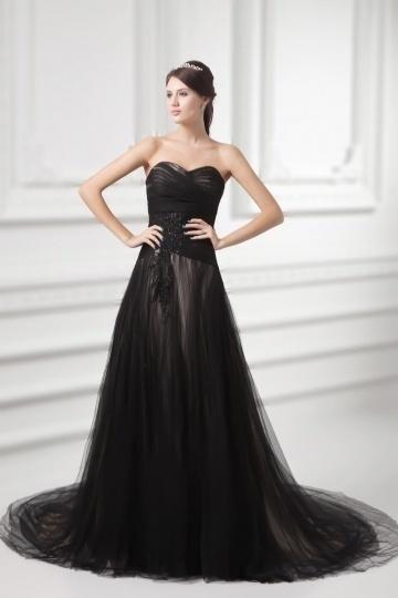 Noire robe de mariée en tulle ruchée avec appliques