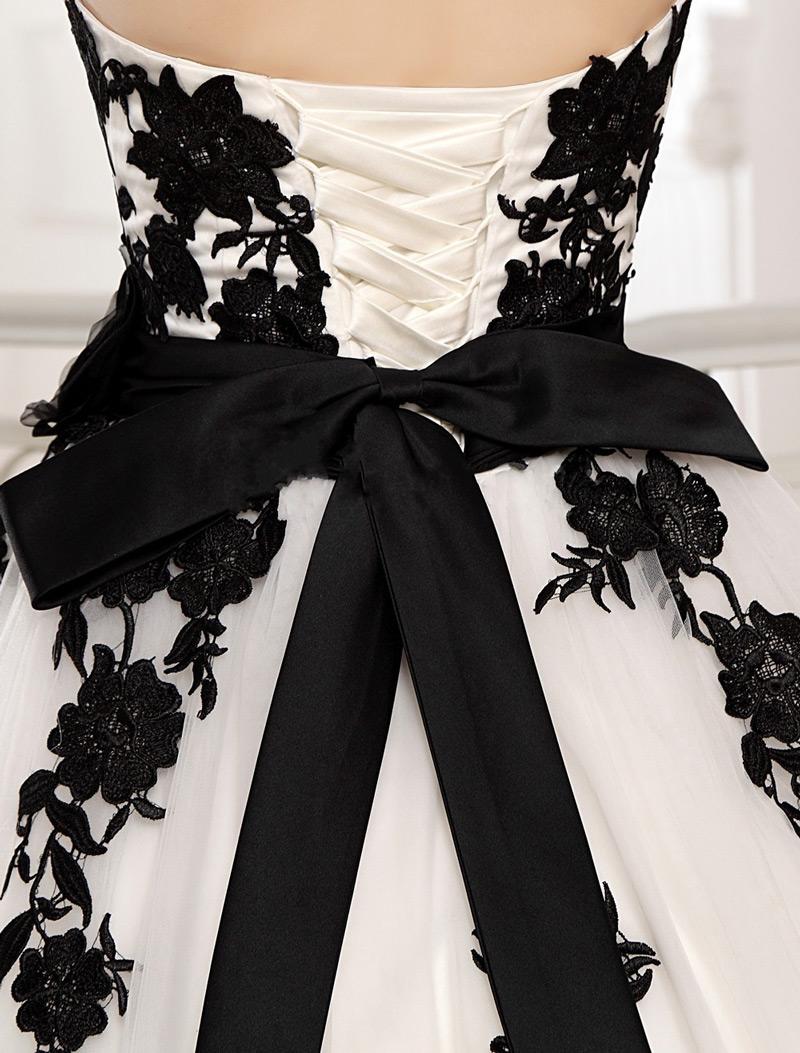 Robe blanche et noire chic & nœud papillon & laçage