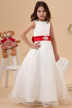 Robe mariage enfant blanche dotée d'une ceinture rouge