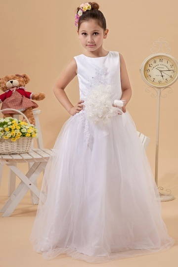 Robe  mariage enfant blanche col oval en tulle