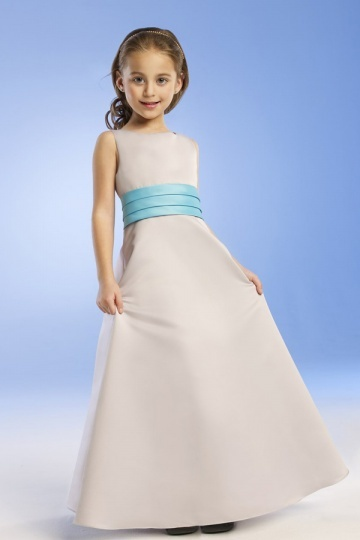 Robe cortège fille simple col bateau en satin