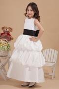 Robe cortège fille blanche à volant ornée d'un nœud papillon noir