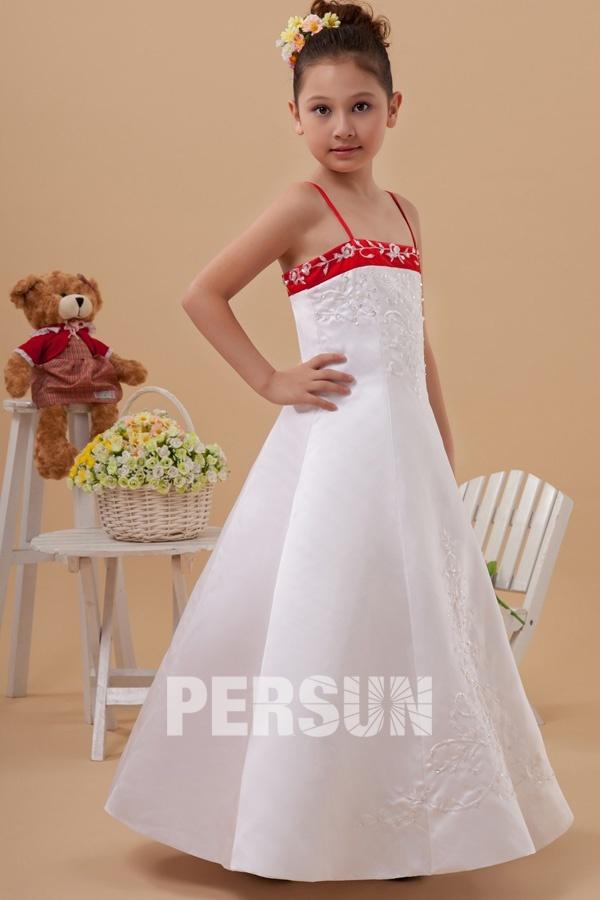 a5beadd94a937 Robe fille dhonneur blanche et rouge ornée de broderies - Persun.fr