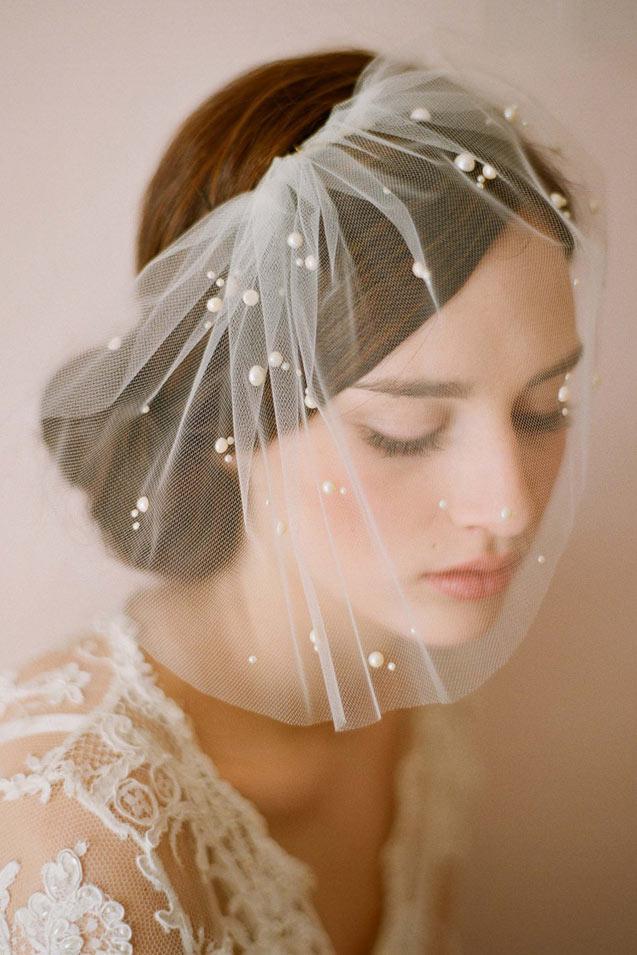 voilette vintage en tulle embelli de perles