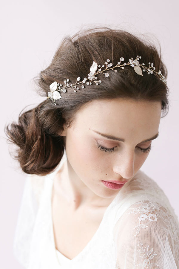 bandeau de mariée vintage embelli de strass et feuilles