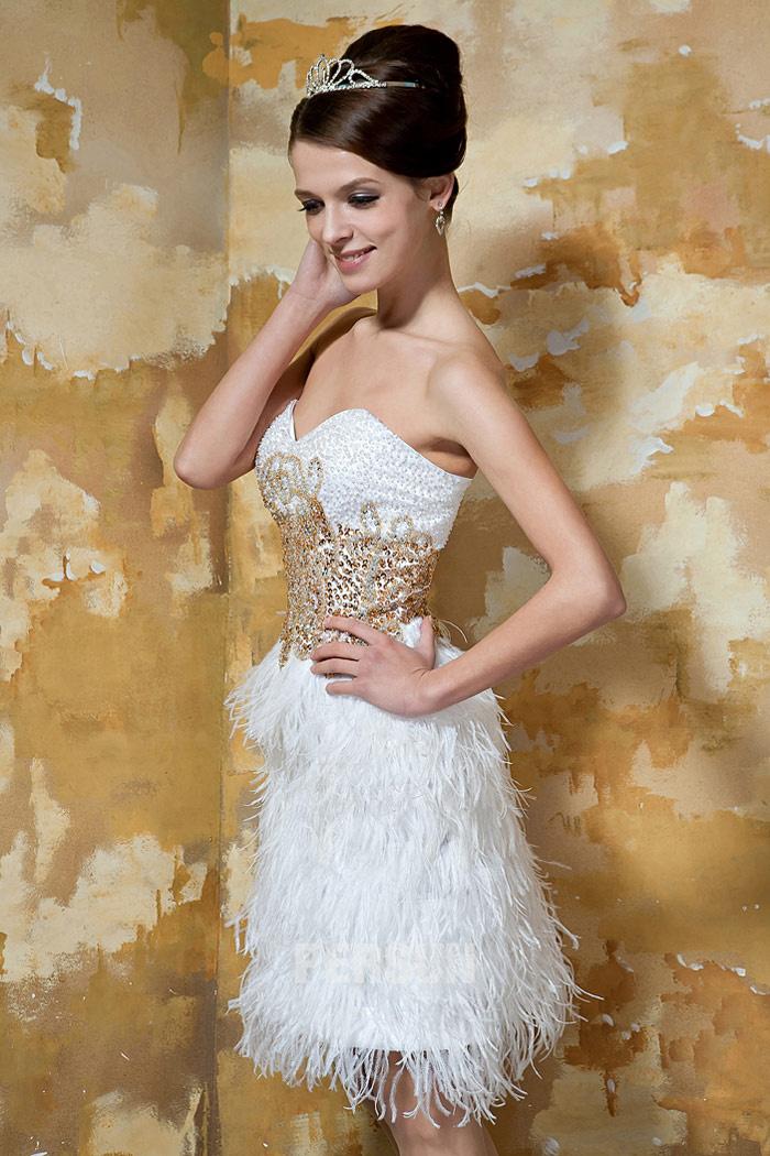 robe cérémonie blanche orné de paillettes et plumes