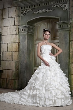 Robe mariage bustier ornée de fleurs