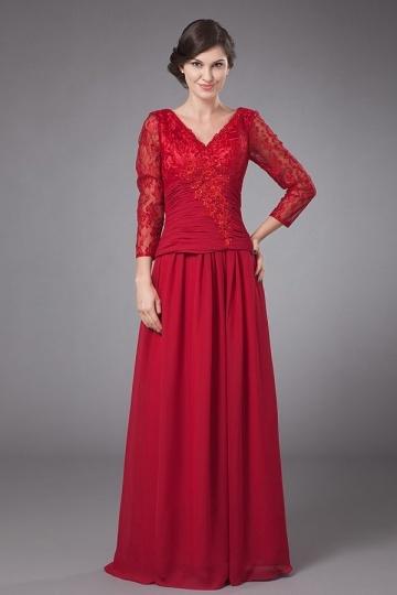 Robe mère de mariée rouge col V longue en mousseline