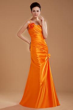 Robe orange de soirée asymétrique ruchée ornée de fleur faite à la main