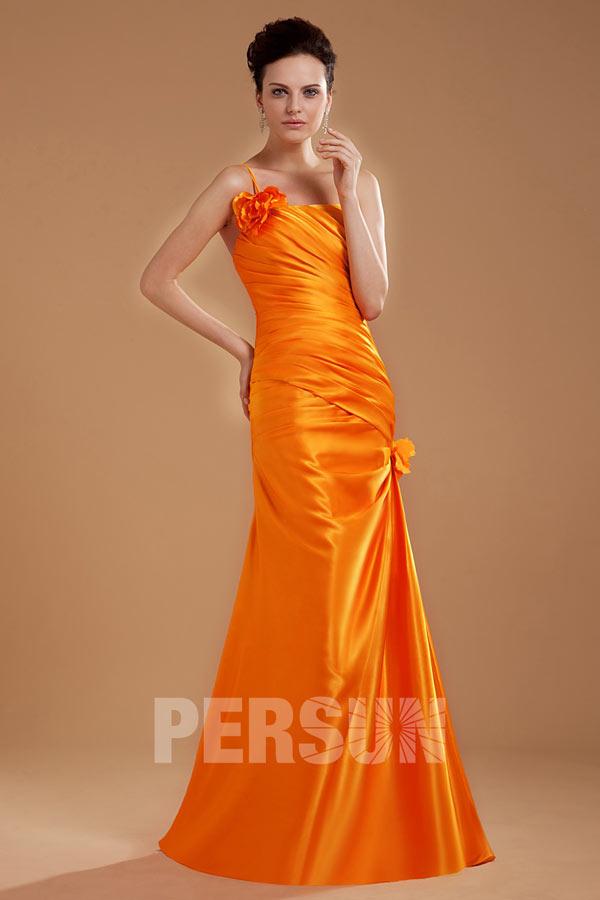 Robe orange de soirée à seule épaule ruchée ornée de fleur faite à la main