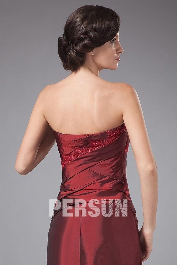 Robe courte bustier droite fourreau avec application dentelle