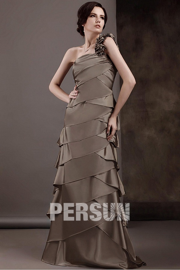 robe de soirée longue plusieurs couches asymétrique