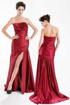 Robe soirée rouge bustier longue plissée avec fente