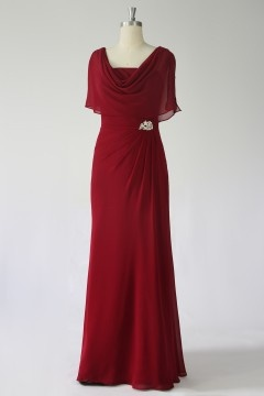 Robe de soirée rouge bordeau décolleté drapé avec fausse cape