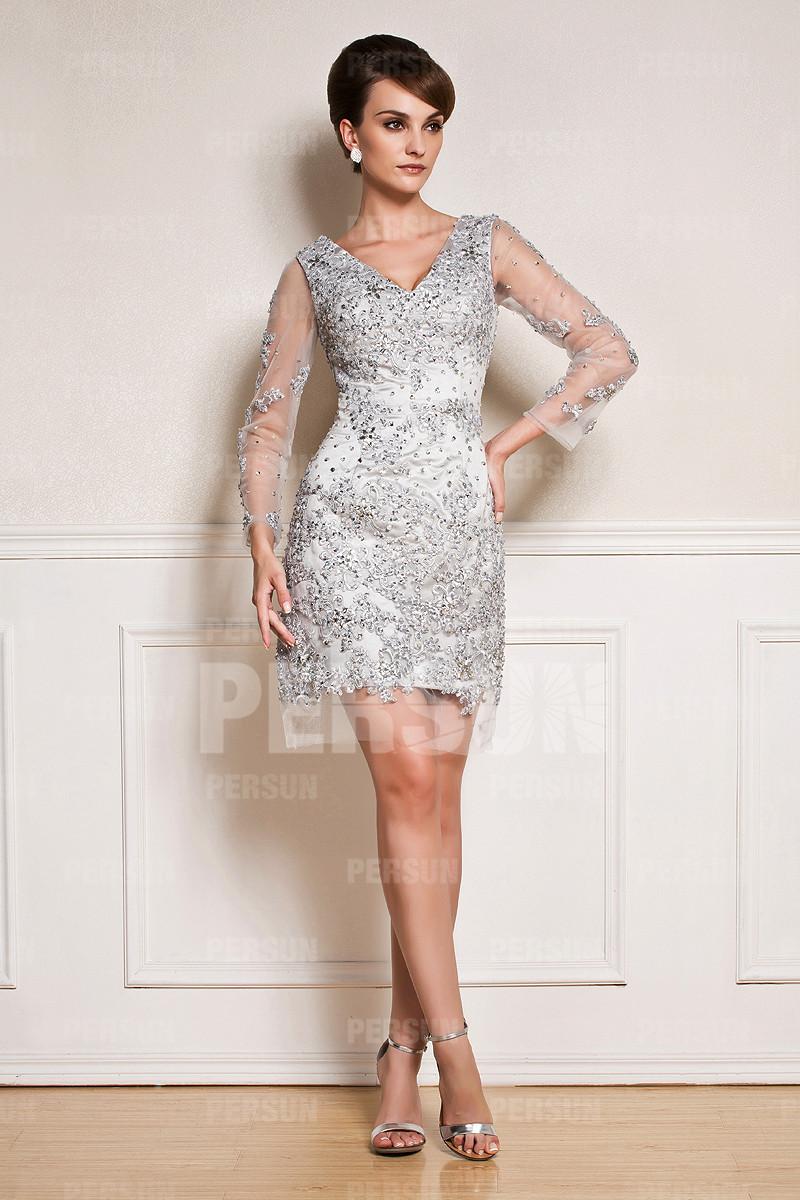 robe mère mariée blanche courte appliquée de dentelle et de strass avec manche longue transparente