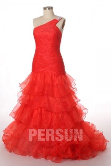 robe de gala rouge sirène asymétrique jupe à volants