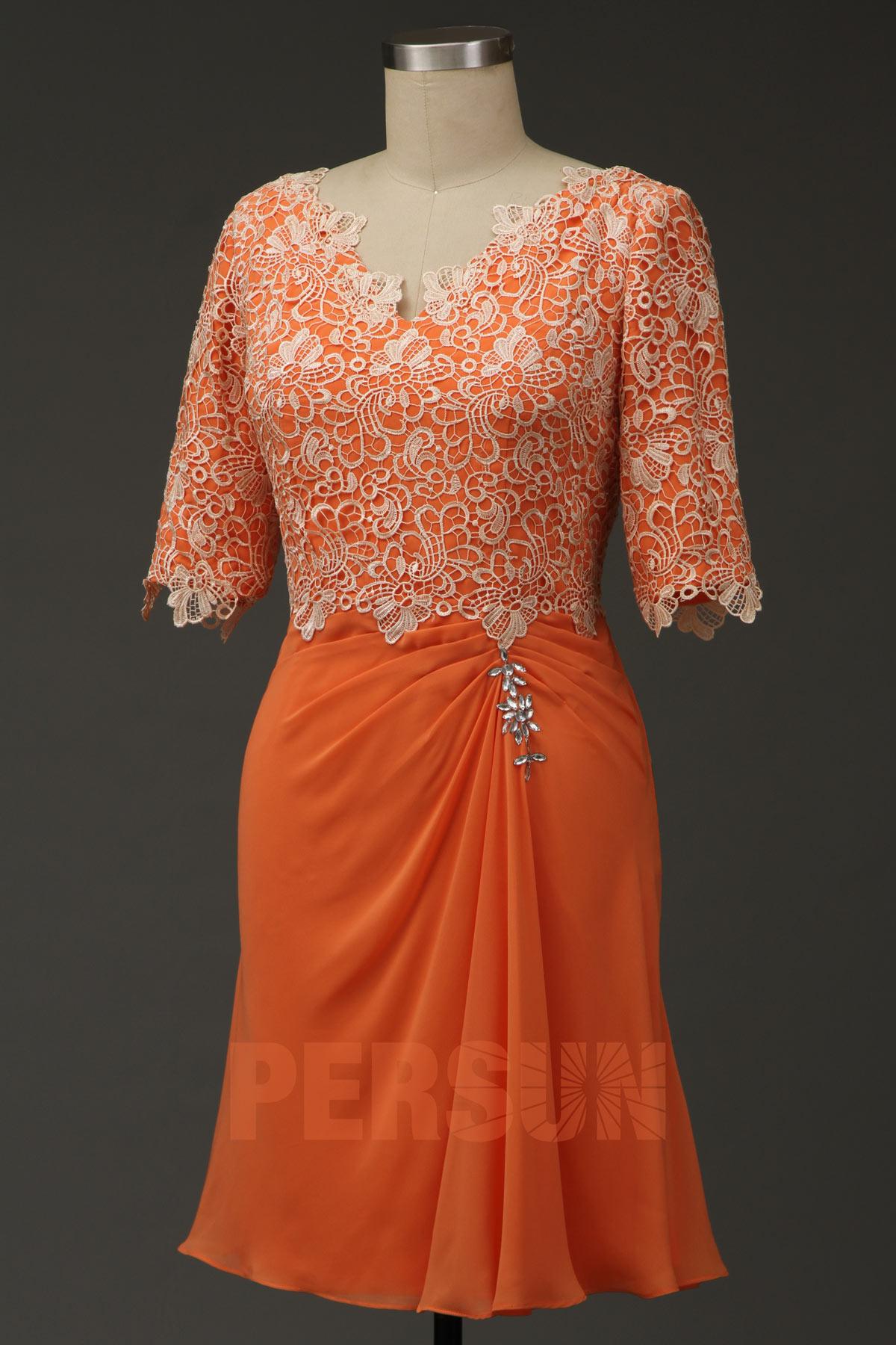 robe cocktail courte orange à haut dentelle avec manches