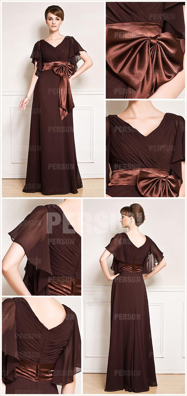 Robe brune mère du marié longue col V à manche cape ornée de noeud papillon