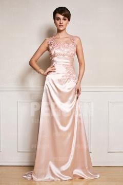 Robe de cérémonie rose pâle encolure ovale en broderie florale trompette