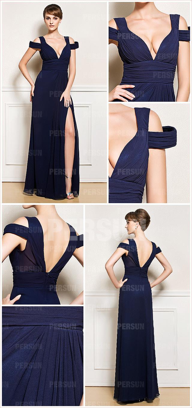 robe de soirée bleu foncée décolletée plongeant fendue épaule dénudée
