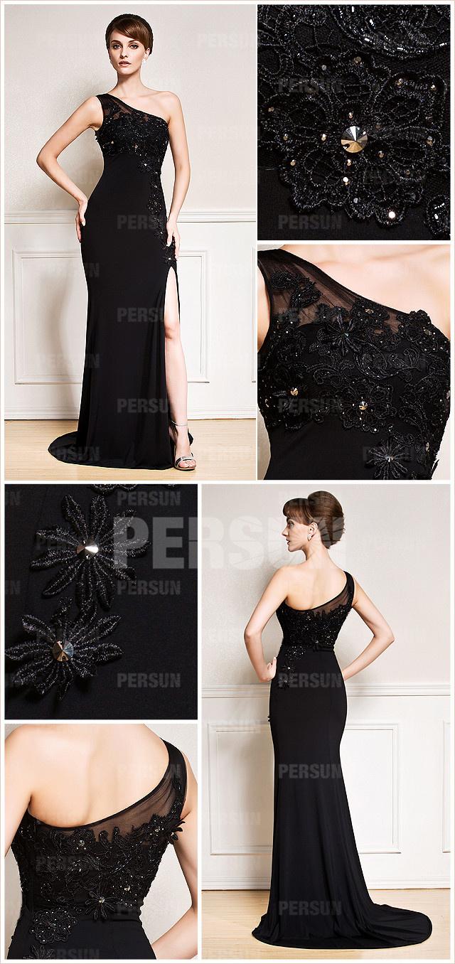 tenue robe noire asymétrique à jupe fendue brodée de fleurs