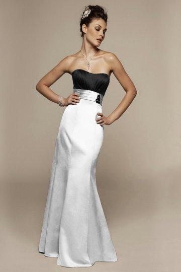 Vestidos de dama de honor blanco y negro