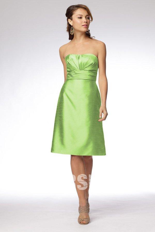f5eff511a19 Robe demoiselle d honneur verte à A-ligne à nœud papillon ruchée sans  bretelle