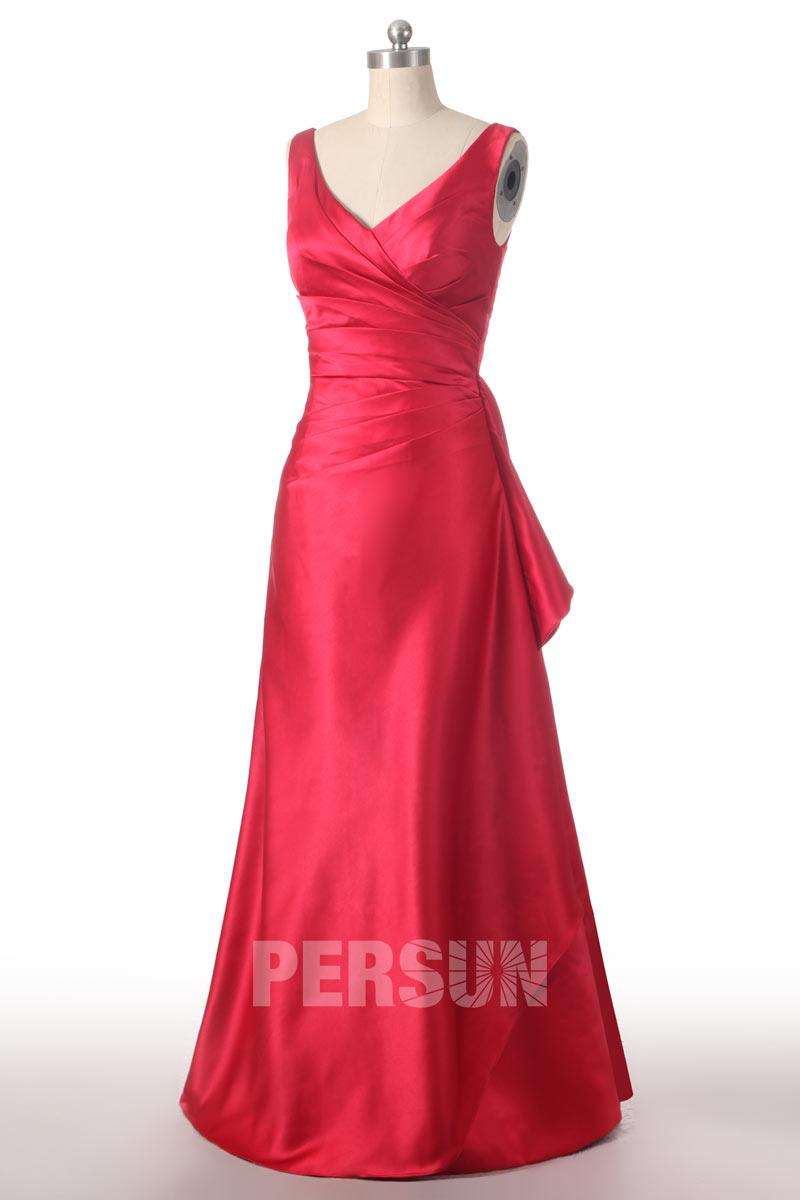 Robe demoiselle d'honneur longue ruchée en satin rouge Col V
