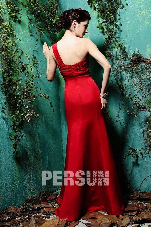 Robe demoiselle d'honneur rouge longue avec une seule épaule