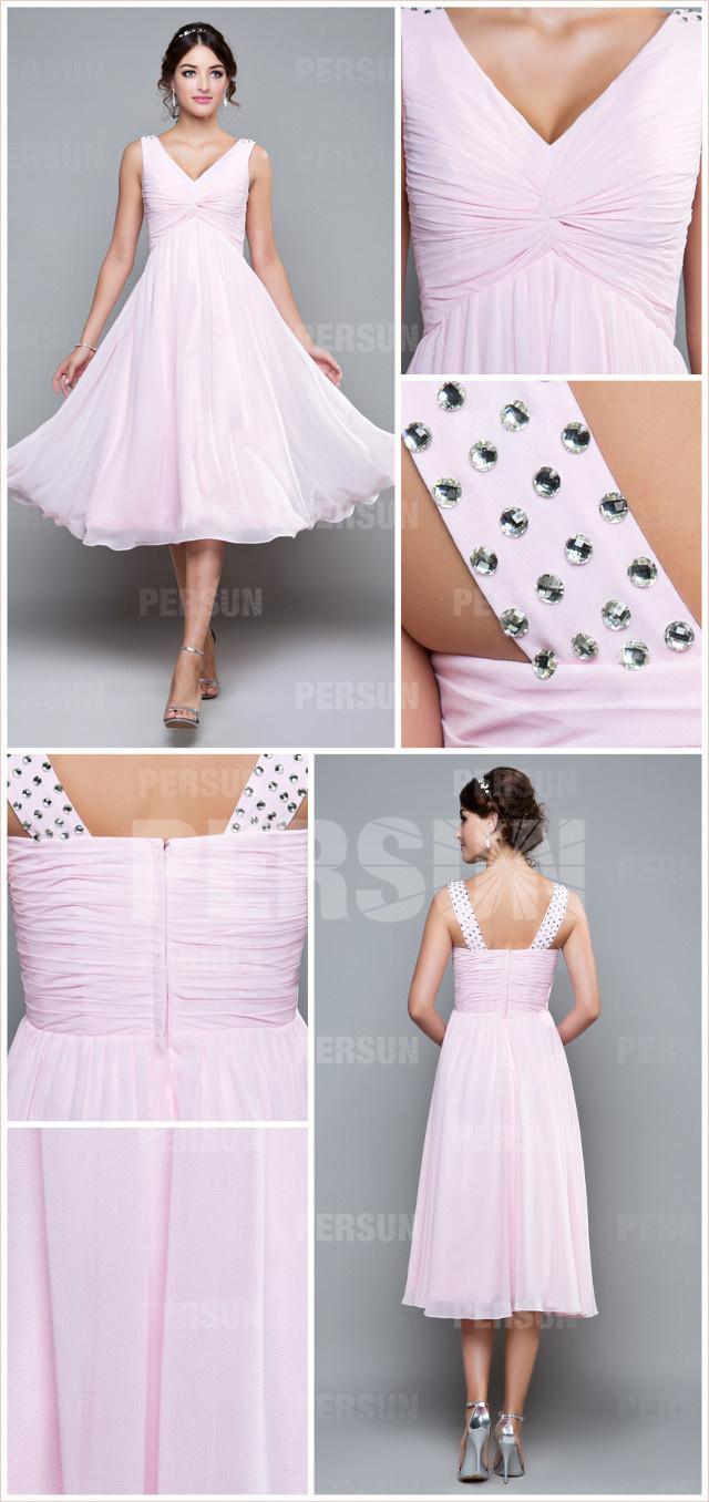simple robe de soirée rose mi longue pour mariage plissé orné de bijoux sur épaule