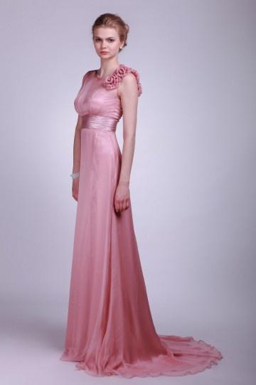 Robe demoiselle d'honneur en mousseline rose Empire fleurs sur l'épaule