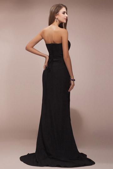 8c1bae8fffc Robe bustier noire pour soirée longue simple parée de bijoux - Persun.fr