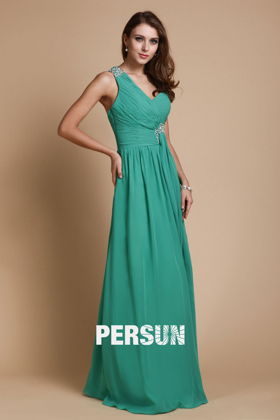 robe de soirée verte à une épaule en mousseline