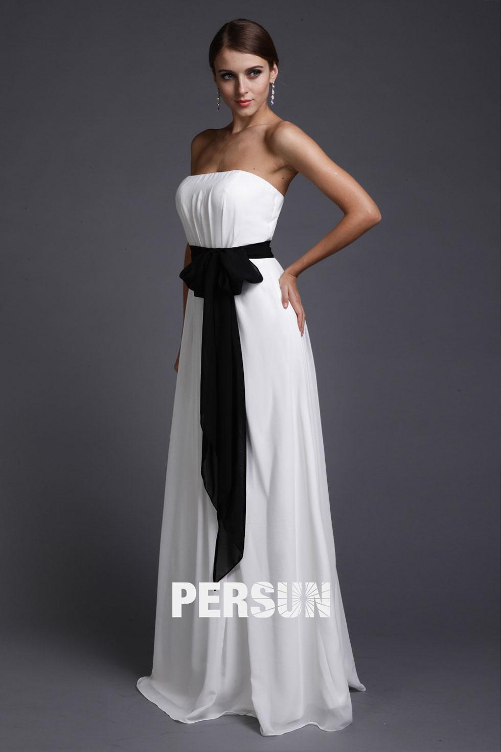 robe bustier blanche avec ceinture noire