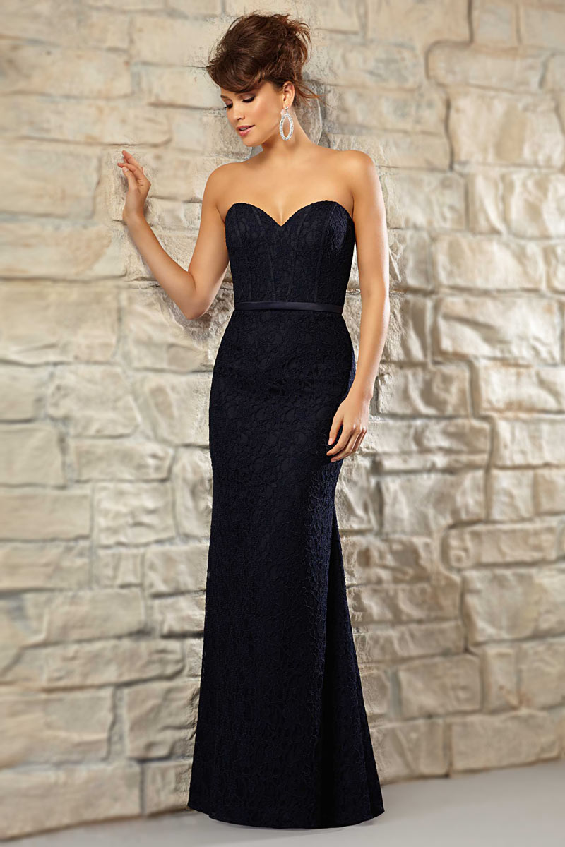 ee837ed8d31 Robe longue bleu nuit pour mariage en dentelle chic coupe sirène ...