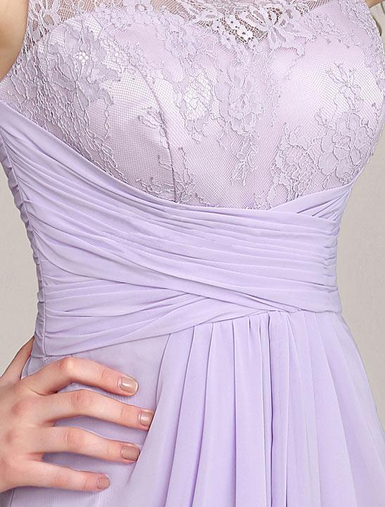 Robe chic lilas à bustier empire haut en dentelle. Robe lilas col illusion  en dentelle pour mariage 9bf435082eb
