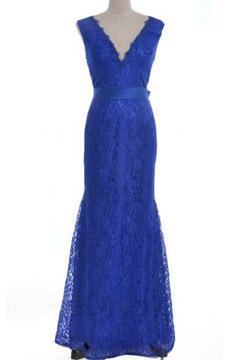 Robe soirée longue en dentelle bleu royal dos v échancré coupe sirène