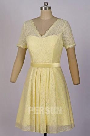 Robe cocktail pour mariage en dentelle jaune clair à manche courte