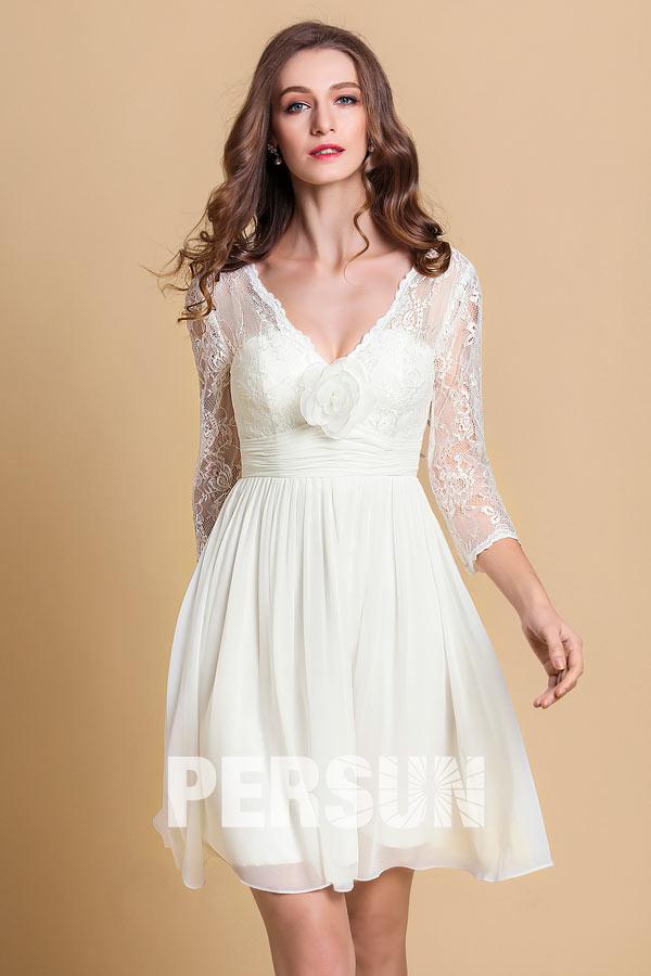 robe de mariée courte bohème col v à manches mi-longue en dentelle embelli de fleurs fait-main
