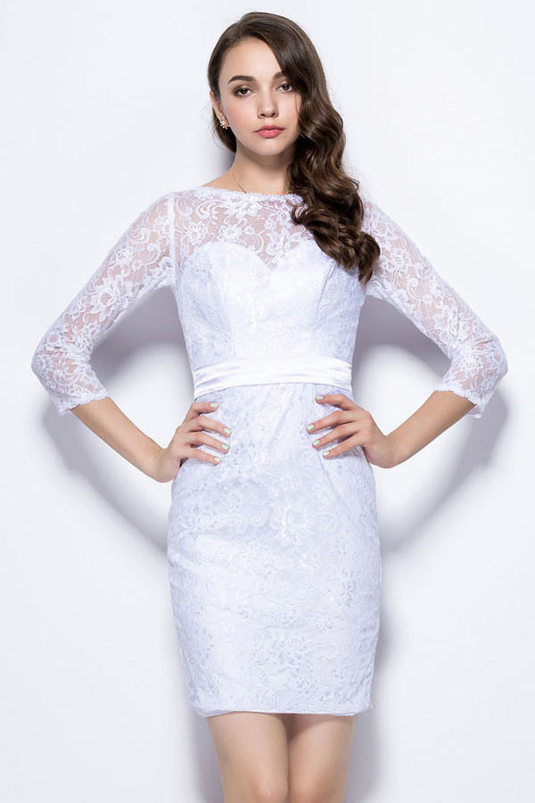robe de cocktail courte blanche moulante col illusion manche mi-longue en dentelle