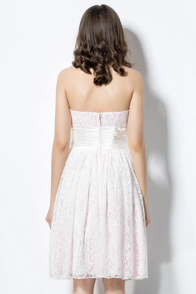 Robe demoiselle d'honneur courte en dentelle rose pâle pour été