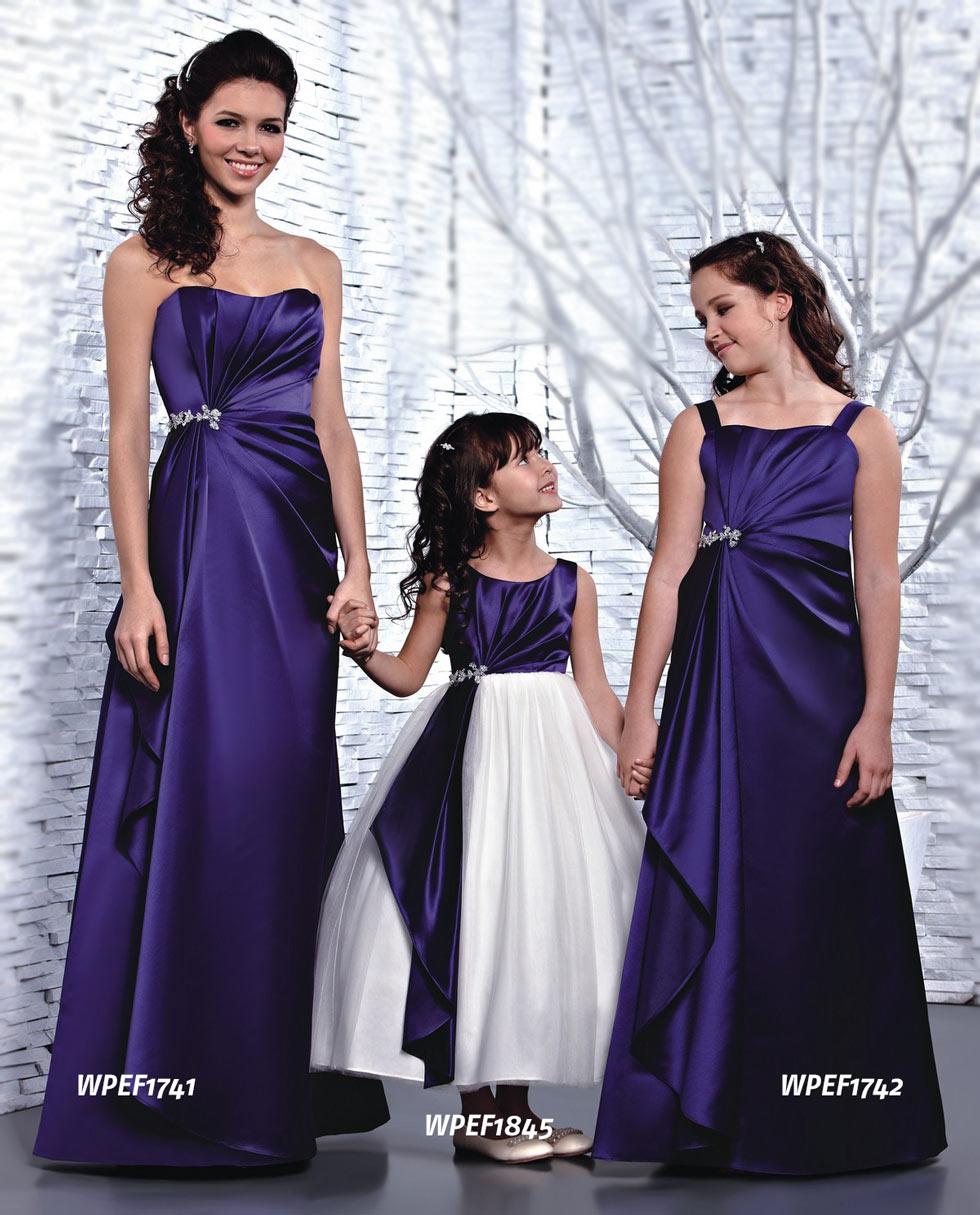 robe cortège fille violette et blanche princesse