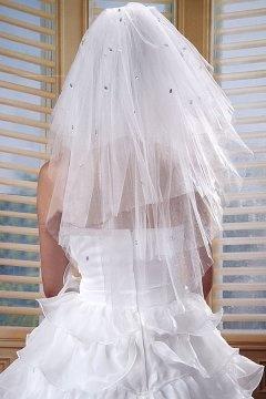 Voile de mariée ovale de 3 couches au bord carré en tulle