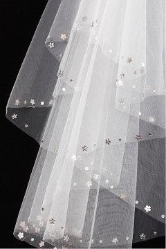 Voile de mariée 2 couches bord ornée des bijoux en tulle
