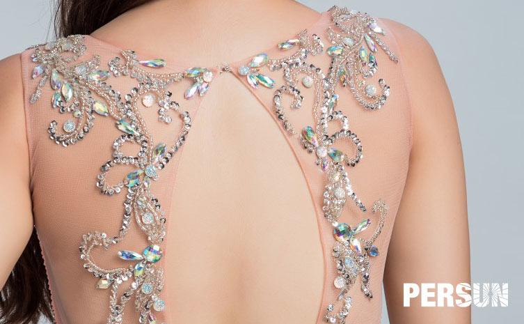 Robe chic soirée brodée de bijoux dans le dos découpé