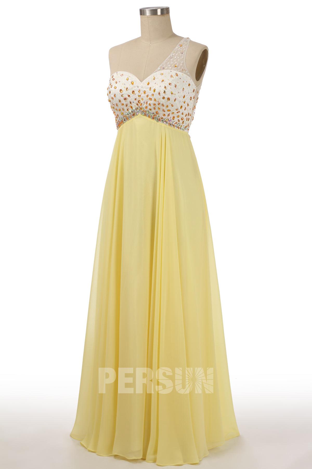robe de soirée jaune astmétrique embelli de bijoux