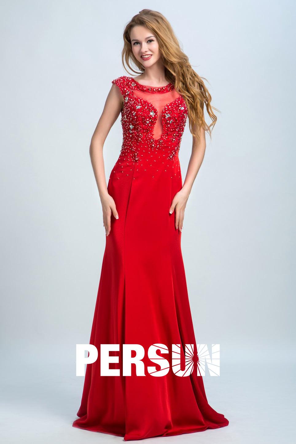 Sexy robe rouge fourreau à haut travaillé avec bijoux dos transparent