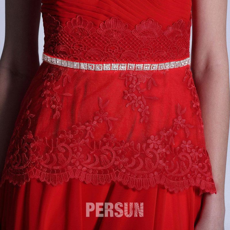 robe chic rouge dentelle pour un baptême ou une réunion familiale